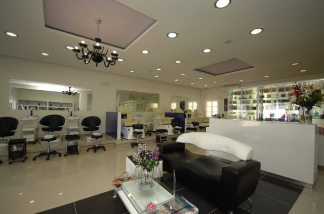 NAIL HAIR &  SKIN CARE DAY SPA MYKONOS 5